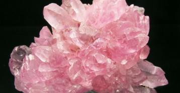 Använd kristaller för att dra till dig mer kärlek i ditt liv.