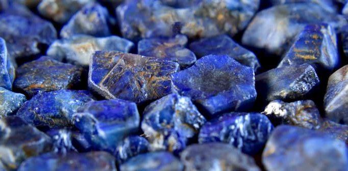 Lapis lazuli - en eftertraktad och magisk sten